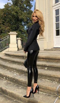 Pvc Leggings, Leggings And Heels, Shiny Leggings, Leggings Fashion, Leggings Are Not Pants, Sexy Legs And Heels, Sexy High Heels, Nylons, Heavy Metal Girl