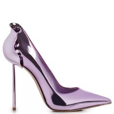 PETALO PUMP 120 mm Le Silla, Lilac mirrored effect pump: unique creations for women who love to wear feminine and Made in Italy footwear for each occasion. Pointed Heels, Stiletto Heels, Sexy Heels, High Heels, Purple Accessories, Cream Shoes, Sneaker Heels, Ankle Straps, Beautiful Shoes