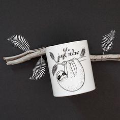 Die süße Faultier-Tasse aus der FebruarBox (echtes Unikat) kannst du jetzt in unserem Shop nachbestellen!  Markiere jemanden der diese Faultier-Tasse unbedingt braucht #trendraider #trendraiderde #berlin #startup #tassenliebe #mug #tasse #faultier #faultiere #sloth #überraschungsbox #surprise #geschenkidee #geschenk #geschenkbox #geschenktipp #love #trend #trends
