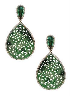 Brinco de jade, turmalina verde e diamantes - Silvia Furmanovich