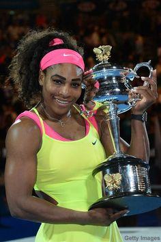 To the victor goes the spoils! Serena Williams poses with the 2015 Australian Open trophy . her grand slam victory! Serena Williams Tennis, Venus And Serena Williams, American Tennis Players, Tennis Players Female, Serena Williams Australian Open, Wonder Twins, Tennis Legends, Celebrity Singers, Us Olympics