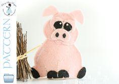 Felt Finger Puppet Pattern: Pig.  Sewing Digital Pattern.
