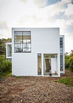 Pattern House — Beatty Vermeiren via White House Architecture, Minimalist Architecture, Residential Architecture, Architecture Design, White Brick Houses, Reclaimed Building Materials, Arch House, Small Modern Home, Brick Facade