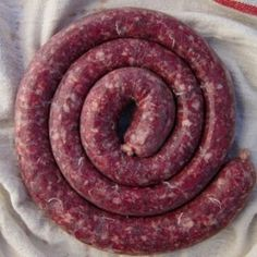 A recipe for homemade boerewors sausage, as well as the story of how I came to know about this famous South African sausage. Venison Sausage Recipes, Meat Recipes, Cooking Recipes, How To Make Sausage, Food To Make, Sausage Making, Charcuterie, Homemade Hashbrown Recipes, Home Made Sausage