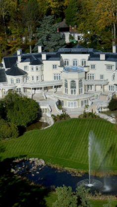 Luxury estate #Luxury #Mansions #modernarchitecture #luxurydesign #moderndesign #luxuryhomes