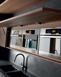 Cement kitchen with island WIND ETA NOIR CEMENT Wind Collection by TONCELLI CUCINE | design Federica Toncelli
