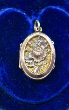 Victorian Gold, Victorian Jewelry, Victorian Era, Locket Design, Gold Locket, Four Leaf Clover, Banks, True Love, Jewelry Stores