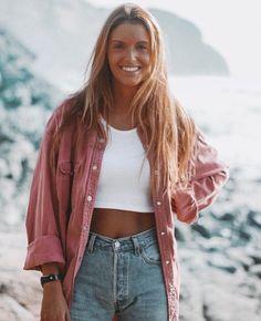 Summer Fashion Tips .Summer Fashion Tips Surfergirl Style, Mode Outfits, Fashion Outfits, Fashion Tips, Travel Fashion, 2000s Fashion, Color Fashion, College Fashion, Fashion Black