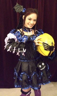 Mea/Mare cosplay from Mahou Sentai Magiranger All Things, Crafting, Crown, Cosplay, How To Make, Fashion, Corona, Fashion Styles, Craft