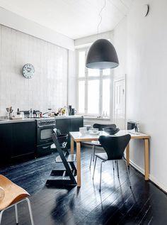 black floors / pauliina salonen photography