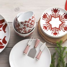 12 festive holiday table designs from Crate and Barrel | #SWEEPSTAKES