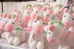 Lots of unicorn amis! Crochet Horse, Crochet Unicorn, C2c Crochet, Crochet Bunny, Crochet Patterns Amigurumi, Love Crochet, Learn To Crochet, Amigurumi Doll, Crochet Animals