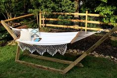 How to Make a Free-Standing Hammock Stand | Hunker Diy Hammock, Backyard Hammock, Hammock Stand, Backyard Landscaping, Hammocks, Diy Pallet Sofa, Diy Pallet Projects, Concrete Projects, Pallet Ideas
