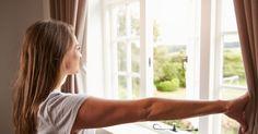 Há cada vez mais pessoas que vivem sozinhas. E gostam! Um paradigma que está a levar ao aparecimento de novos negócios e que obriga a repensar o futuro das novas gerações…