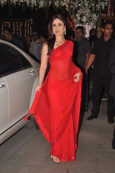 Bollywood Style Kareena Kapoor Chiffon Saree In Red Colour Kareena Kapoor Saree, Deepika Padukone, Manish Malhotra Saree, Kareena Kapoor Wedding, Chiffon Saree, Red Chiffon, Red Silk, Indian Designer Sarees, Ethnic Wear Designer