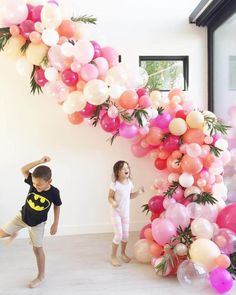 Amazing balloon arch