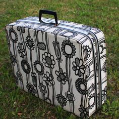 "Large 26"" Samsonite Fashionaire in the Rare Swanky Wild Gardenia Marimekko Style Mod Floral Suitcase"