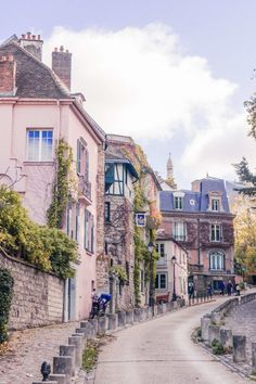 Montmartre Photo Diary: pictures and photographs of the cutest arrondissement in Paris, France