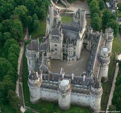 château de Pierrefonds                                                                                                                                                                                 Plus