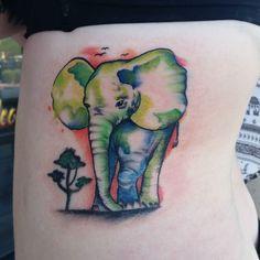 #wyoming #snapchat #yourtattoosucks #quartermastermachines #tattoosofinstagram #tattoosnob #lasvegastattoo #lasvegasstrip #tattoo #tattooed #tattoosofig #love #tattooedwomen #eternalink #hushanesthetic #eikondevice #snap #elephant #watercolour #watercolor #watercolortattoo #colortattoo #ribtattoo by tattoosbysamantha