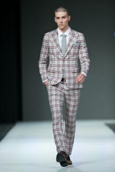 X Fashion Week Poland; checkered suit