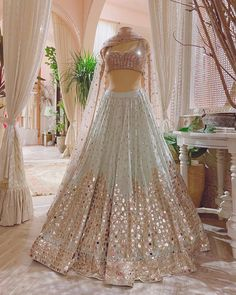 Party Wear Indian Dresses, Indian Wedding Gowns, Designer Party Wear Dresses, Indian Fashion Dresses, Indian Bridal Outfits, Indian Gowns Dresses, Party Wear Lehenga, Dress Indian Style, Indian Designer Outfits
