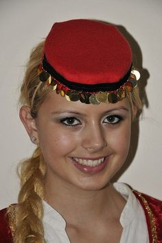 A wonderful portrait of a traditional Bosnian girl ( Image courtesy ; flickr )