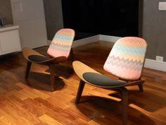 Poltronas Hans Wegner personalizadas com tecido Regatta by Neo Arq SP