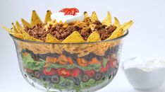 Turn any night into a fiesta by serving a Mexican Layer Salad and Churo Bowls filled with Mexican Hot Chocolate, Cheesecake, or Dulce de Leche Mousse. Salad Recipes, Snack Recipes, Snacks, Beef Recipes, Dinner Recipes, Mexican Dishes, Mexican Food Recipes, Mexican Salads, Mexican Meals
