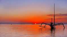 Sunset.......Jukung (boat) @ Sanur