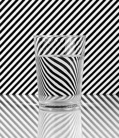 Znalezione obrazy dla zapytania op art still life Glass Photography, Photography Themes, Photography Projects, Still Life Photography, Abstract Photography, Creative Photography, Albrecht Durer, Op Art, Art Doodle