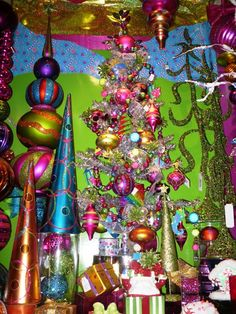whoville christmas decoration ideas | All the Whos Down in Whoville: Girly Grinchmas Decorating Ideas