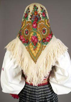 Fashion and Slovak Folk Dress Polomka Ukrainian headscarf Hungarian Embroidery, Folk Embroidery, European Dress, Fairytale Fashion, Russian Fashion, Fashion Art, Fashion Design, Fabulous Fabrics, Folk Costume