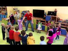 How To Teach Kids English Classroom Ideas English Activities For Kids, Teach English To Kids, English Lessons For Kids, How To Teach Kids, Kids English, Teaching English, Learn English, Teaching Kids, Kids Learning