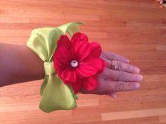 Ribbon corsage