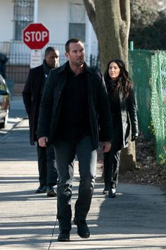 "Blindspot - Episode ""Rules In Defiance"" Rob Brown, Sullivan Stapleton, Ashley Johnson, Jaimie Alexander, Sully, Handsome, Winchester, Tv Series, Winchester Rifle"