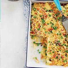 Bacon & Noodle Slice Lunch Box Recipes, Egg Recipes, Snack Recipes, Cooking Recipes, Lunch Ideas, Yummy Recipes, Dinner Recipes, Prawn And Avocado Salad, Avocado Salad Recipes