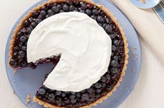 If you need a showstopper for dessert, give our Blueberry Refrigerator Pie a try. It isn't necessary to have a tart pan to make this blueberry pie, but it does maximize the oohs and aahs. Kraft Foods, Kraft Recipes, Pie Recipes, Dessert Recipes, Dessert Ideas, Dinner Recipes, Yummy Treats, Sweet Treats, Kinds Of Pie