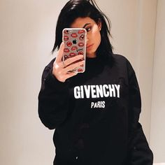 Kendall & Kylie Jenner style and news Kylie Jenner Fotos, Kris Jenner, Outfit Kylie Jenner, Moda Kylie Jenner, Looks Kylie Jenner, Kylie Jenner Makeup, Kylie Jenner Style, Kendall And Kylie Jenner, Kylie Jenner Phone Case