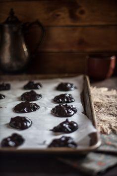 Flourless Chocolate Cookies & A Sucré Macaron Giveaway!