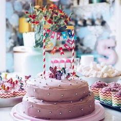 Kodin Kuvalehti – Blogit   Ruususuu ja Huvikumpu – Maailman paras porkkanakakku-kääretorttu valmistuu nopeasti ja helposti Cake, Desserts, Food, Tailgate Desserts, Deserts, Kuchen, Essen, Postres, Meals
