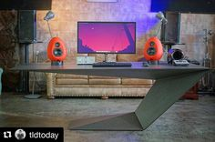 "Polubienia: 181, komentarze: 1 – Setup Tour (@setuptour_) na Instagramie: ""Incredible setup by @tldtoday, featuring an amazing desk! #SetupTour #setup #twitter #ultimate…"""