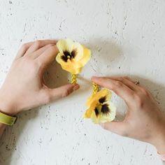 Häkeln: Luftmaschen • yellowgirl der DIY-Lifestyle Blog Diy Choker, Stud Earrings, Blog, Autos, Popular Outfits, Script Logo, Simple Diy, Stud Earring, Blogging