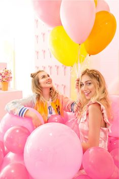 Birthday Girl Pictures, Birthday Photos, Girl Birthday, Birthday Photography, Girl Photography, Creative Photography, Big Balloons, Birthday Balloons, Latex Balloons