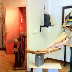 Otras de mis esculturas, tallas de diferentes maderas y  cerámica.