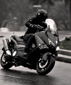 Yamaha T-Max Tmax Yamaha, Yamaha Nmax, Scooter Motorcycle, Moto Bike, My Dream Car, Dream Cars, T Max 530, Scooter Custom, Xmax