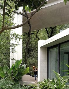 In the Sierra Madre mountains that surround Monterrey in Mexico, Japanese architect Tadao Ando has reimagined the formal elements of a traditional hacienda to create. Concrete Architecture, Sustainable Architecture, Architecture Details, Interior Architecture, Architecture Board, Ancient Architecture, Landscape Architecture, Tadao Ando, Osaka