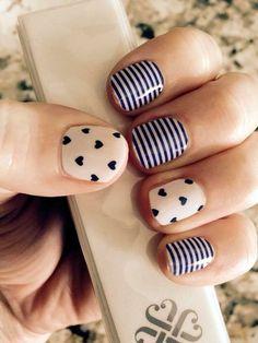 Blue nail art - 30 Ideas of manicure - Nail art designs & diy Nail Diamond, Nail Art Modele, Best Nail Salon, Cute Nail Art Designs, Nagel Gel, Blue Nails, Simple Nails, Trendy Nails, Diy Nails