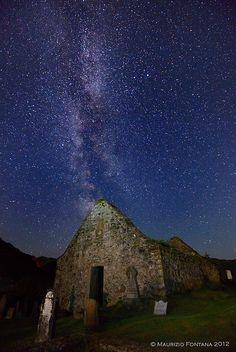 Milky Way, Cemetery church in Scotland