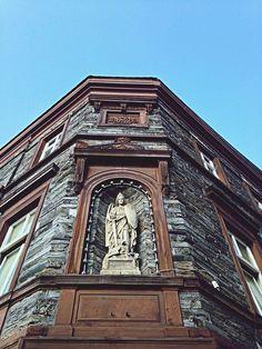 http://www.eyeem.com/p/45582558 #bernkastelkues #stramamax #bluesky #mosel #architecture